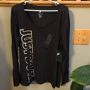 Nike black athletic tee holographic letters Sz XL